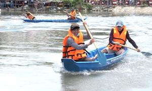 Ngư dân TP HCM tranh tài đua xuồng chèo trên biển