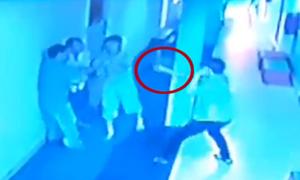 6 người hỗn chiến vì mất remote chọn bài karaoke, một tử vong