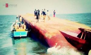 Hiện trường cứu hộ các nạn nhân trong con tàu chìm khổng lồ