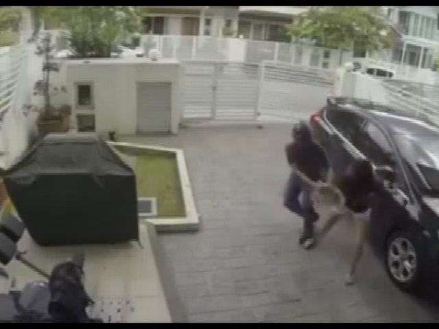 Bị đánh tơi bời vì trộm nhầm 'nữ hiệp'