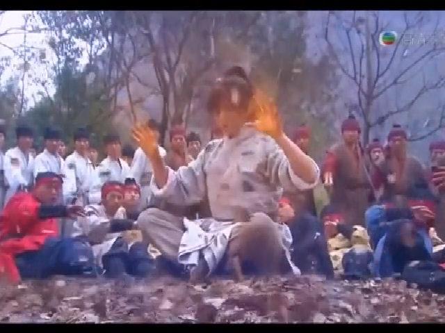 Trương Vô Kỵ dùng Cửu Dương Thần Công tiếp chưởng Diệt Tuyệt Sư Thái