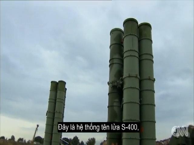 Cận cảnh hệ thống tên lửa S-400 của Nga tại Syria