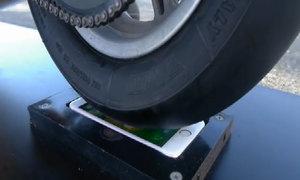 'Đốt lốp' xe Ducati trên màn hình iPhone 6s