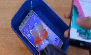 Galaxy Note 5 sống sót khi bị đổ nước ngọt có gas