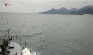 Lính Hải quân vừa tuần tra, vừa đón Tết giữa trùng khơi