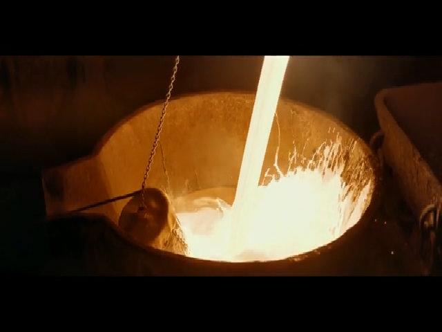 Thí nghiệm đưa cục tuyết vào hỏa lò 2.000 độ C