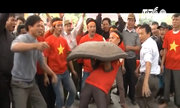 Gần 250 trai làng đấu pháo đất ở Hải Dương
