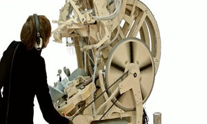 Nhạc cụ kỳ diệu tạo ra âm thanh từ 2.000 viên bi