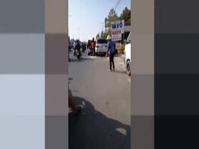Nhóm phượt đánh tài xế ôtô sau va chạm giao thông