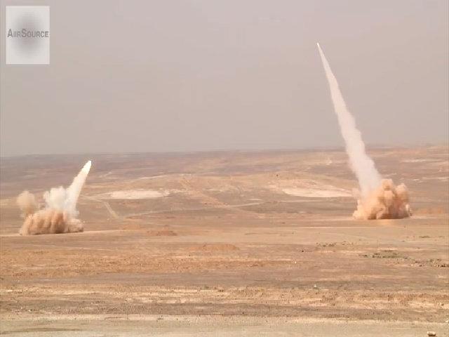 Pháo phản lực M142 Mỹ khai hỏa diệt mục tiêu