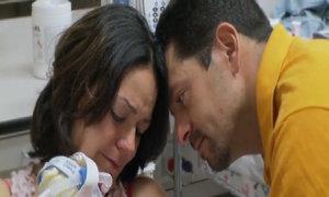 Ca sinh 3 khiến người mẹ rơi nước mắt