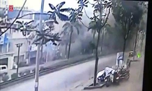 Khoảnh khắc vụ nổ tại Văn Phú Hà Đông
