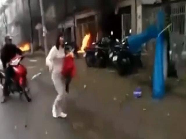Người dân la hét bỏ chạy sau vụ nổ ở Hà Đông