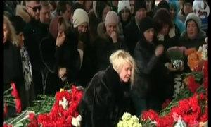 Hàng trăm người khóc tưởng niệm nạn nhân máy bay rơi ở Nga