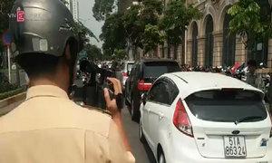 'Phạt nguội' ôtô ở trung tâm Sài Gòn