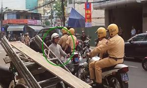 Người dân Đà Nẵng đi vào đường một chiều, cảnh sát nhắc nhở