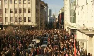 Người biểu tình đòi thủ tướng Iceland từ chức vì nghi trốn thuế