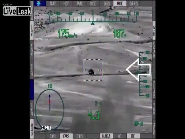Trực thăng Mi-28 Nga khai hỏa tên lửa diệt xe IS đang chạy
