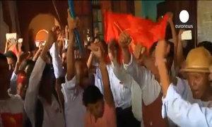 Tù nhân chính trị Myanmar hân hoan ngày ra tù