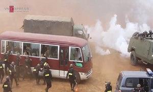 Diễn tập nổ súng chống khủng bố