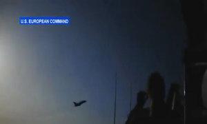 Máy bay chiến đấu Nga lượn sát tàu khu trục Mỹ