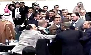 Nghị sĩ Iraq đánh nhau trong phiên họp quốc hội khẩn