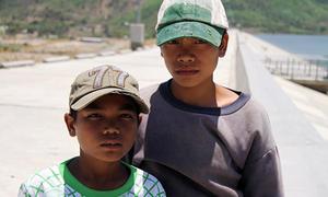 Hai cậu bé chăn bò người Raglai kể lúc cứu 5 nữ sinh