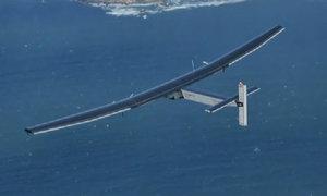 Máy bay năng lượng mặt trời băng qua Thái Bình Dương