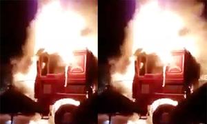 Container bốc cháy ngùn ngụt ở Hải Phòng