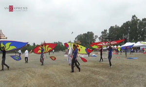 Hơn 500 'cánh chim' phô diễn tại lễ hội diều lớn nhất miền Bắc