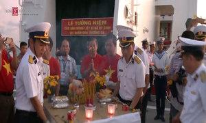 Việt kiều tưởng niệm các chiến sĩ hy sinh ở Gạc Ma