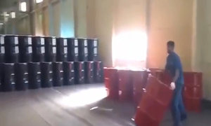 Cách vận chuyển thùng tiết kiệm sức lao động