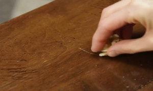 Loại bỏ vết xước trên đồ gỗ chỉ trong nháy mắt