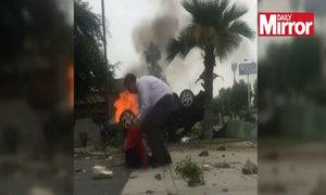 Lao vào xe bốc cháy cứu sống tài xế