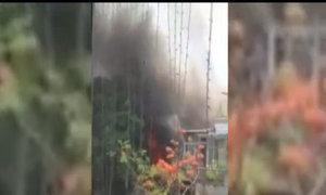 Cháy nhà sát Hồ Gươm, khói bao phủ 'Hàm Cá Mập'