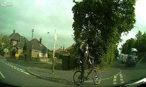 Lái xe đạp nổi điên
