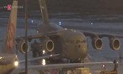 Boeing hạng nặng chở hàng hóa của Tổng thống Mỹ đến TP HCM