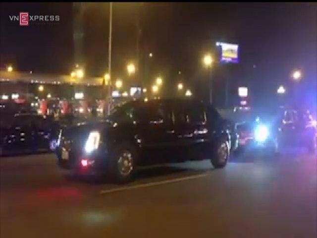 Đoàn xe đón Tổng thống Obama đã tiến vào khu VIP sân bay Nội Bài