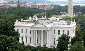 Nhà Trắng đóng cửa vì phát hiện vật thể lạ