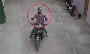 Nam thanh niên vào xóm trọ trộm một lúc hai xe máy