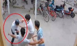 Video trộm xe máy bị đánh 'thừa sống thiếu chết' xem nhiều tuần qua