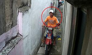 Thanh niên vào hẻm sâu trộm xe máy trong tích tắc