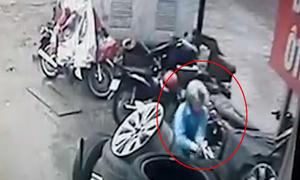 Trộm bẻ khóa xe Lead trong 3 giây ở Hà Nội
