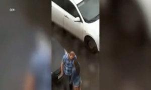 Chàng trai Nga đánh bạn gái vì 'tức nước vỡ bờ'