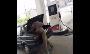 Chồng đánh và nhốt vợ vào cốp xe ở trạm xăng