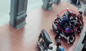 Hai nhà sư bị trộm lấy mất xe Air Blade