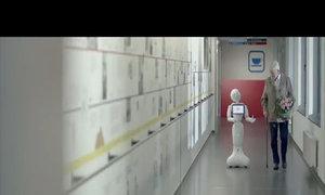 Robot lễ tân biết 20 thứ tiếng tại bệnh viện Bỉ