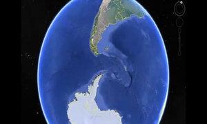 Vật thể nghi là quái vật mực dài 120 m trong ảnh Google Earth