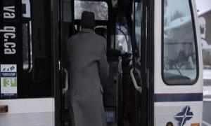 Hành khách tức giận vì 'sập bẫy' nữ tài xế xe buýt