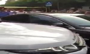 Land Rover tấn công Jaguar